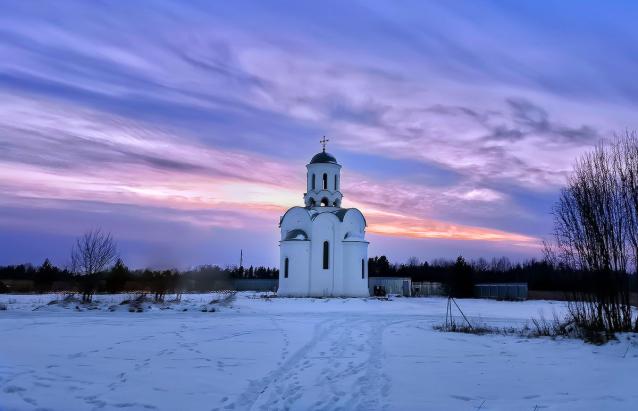 Фото Вятский ответ киберферме: в Кировской области появилась часовня с роботом-звонарём